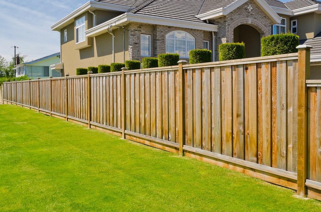Деревянный забор. Экологично и не дорого