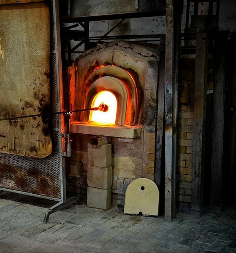 Печь из шамотного кирпича на стекольном заводе